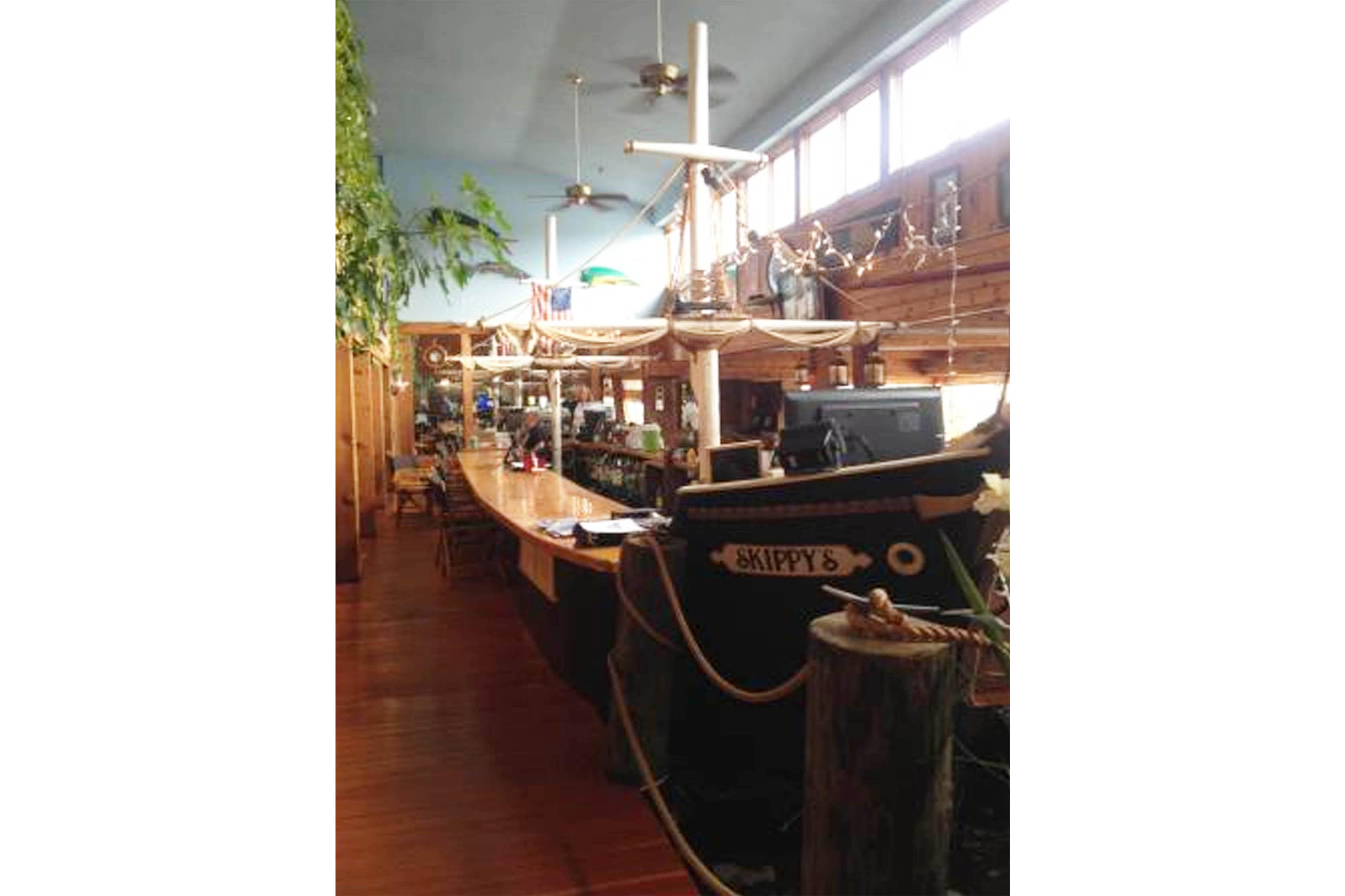 Skippys Bar Yarmouth